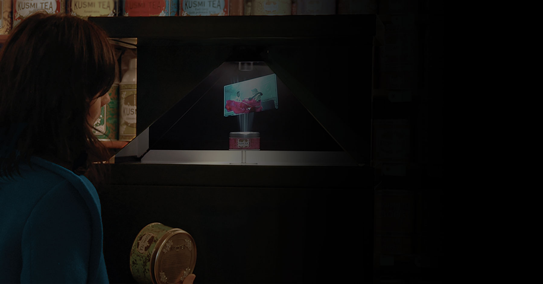In-store marketing for Kusmi in a retail store using a 3D hologram